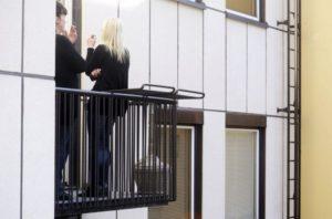 Начиная с 2016 года курение на балконах официально запрещено