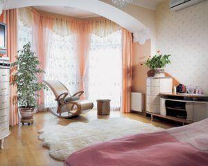 Dizayn_spalni_s_balkonom_1_30091832-300x240