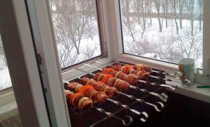 шашлык на балконе
