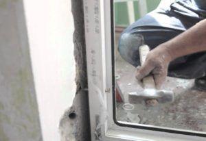 Установка пластиковых дверей своими руками видео