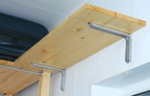 полочки на балконе