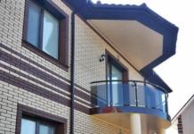 Отделка балкона поликарбонатом