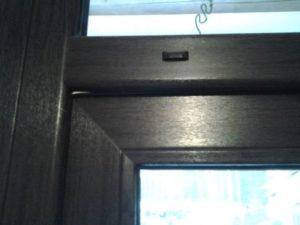 скрип балконной двери