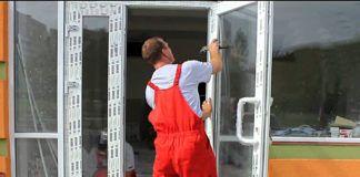 Замена петель пластиковых дверей