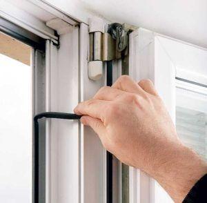 Ремонт пластиковых дверей балкона своими руками