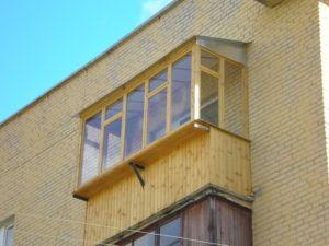 деревянный балкон