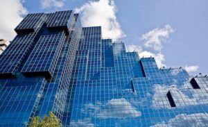 фасад из стекла