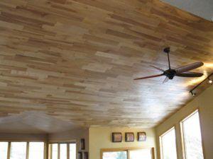 потолок ламинат