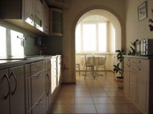 кухня и балкон