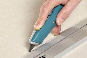 разрезать гипсокартон